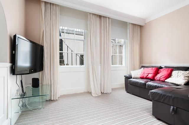 Thumbnail Flat to rent in Albyn Place, Edinburgh