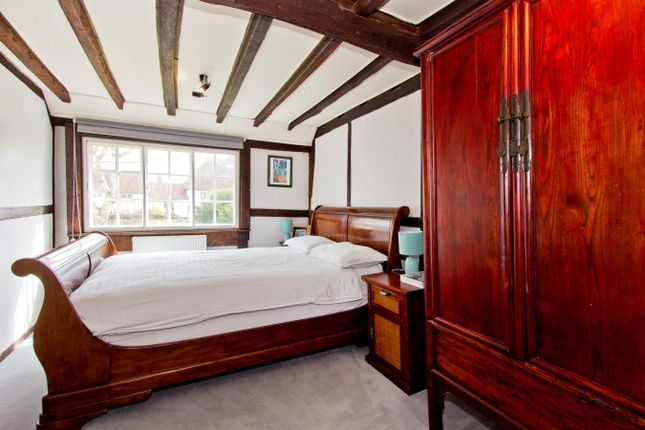 Bed1_2 Official of East House, 74 High Street, Rolvenden, Kent TN17