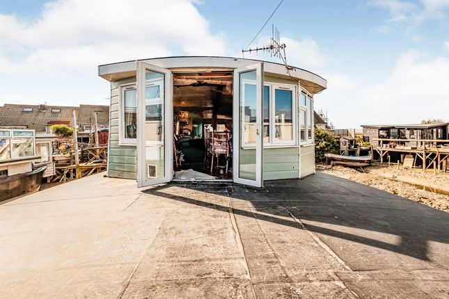 Houseboat for sale in Lower Beach Road, Shoreham-By-Sea