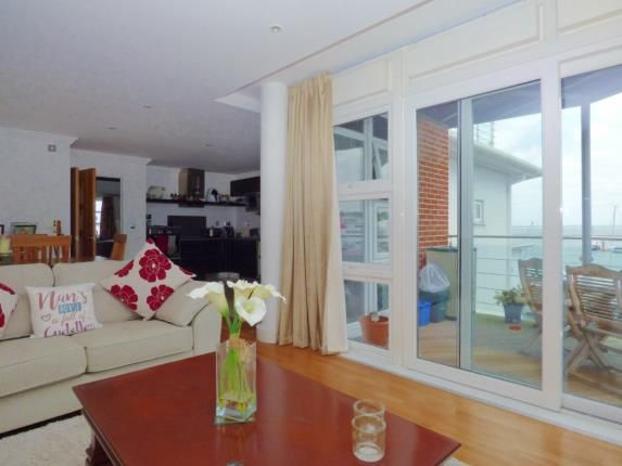 Thumbnail Flat for sale in Medina Road, Cowes, Isle Of Wight