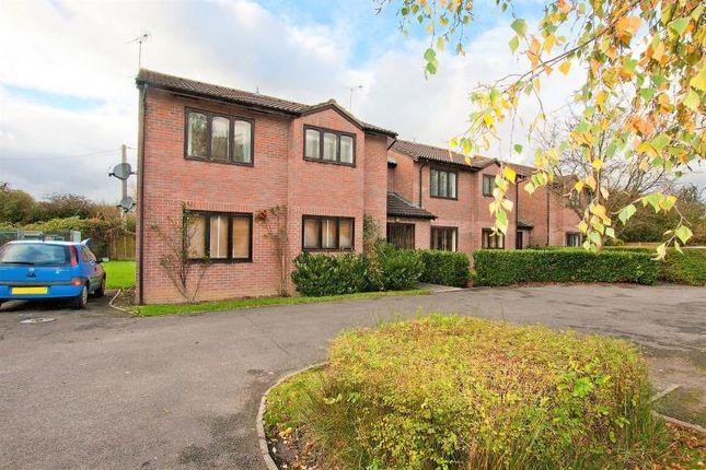 Thumbnail Flat to rent in Glenville Close, Royal Wootton Bassett