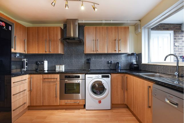 Thumbnail Flat for sale in Furrow Way, Maidenhead