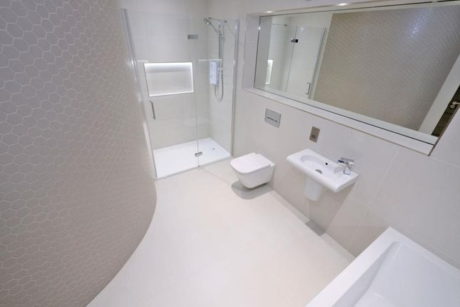 Shower Room of The Lodge, Western Road, Flat 1, Aberdeen AB24