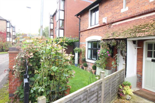 Thumbnail Semi-detached house to rent in Mill Road, Caversham, Reading