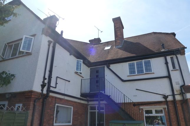 Thumbnail Flat to rent in Shortheath Road, Farnham