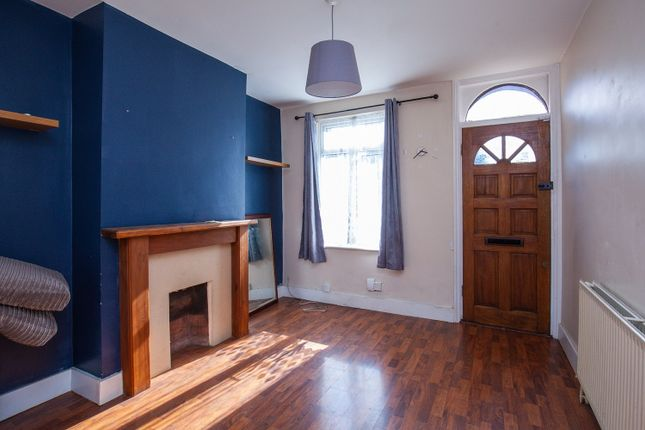 Thumbnail Semi-detached house to rent in Cherry Orchard Road, Croydon