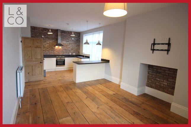 Thumbnail Flat to rent in Hill Street, Newport