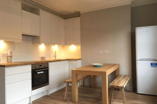 3 bed duplex to rent in Gastein Road, Hammersmith
