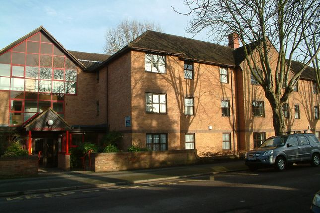 Thumbnail Flat for sale in Holmwood Gardens, Wallington