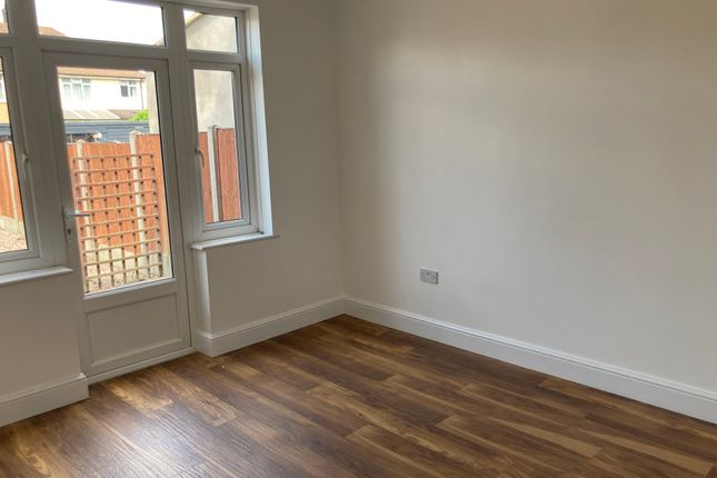 Thumbnail Semi-detached house to rent in Mile Road, Elstow, Bedford