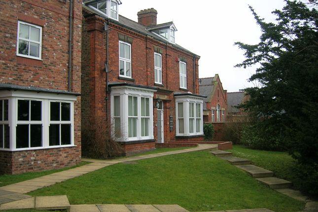 Thumbnail Flat to rent in Marton Road, Bridlington
