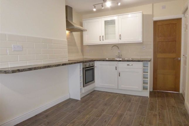 Thumbnail Flat to rent in Dixon Lane, Leeds, West Yorkshire