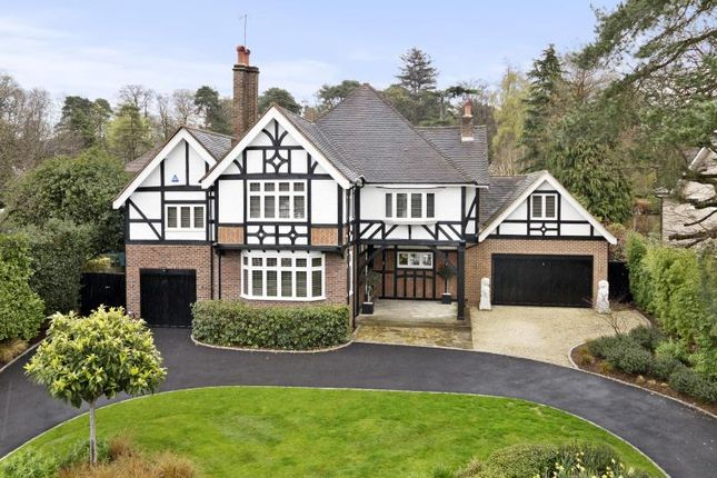 Thumbnail Terraced house to rent in Crossfield Place, Weybridge