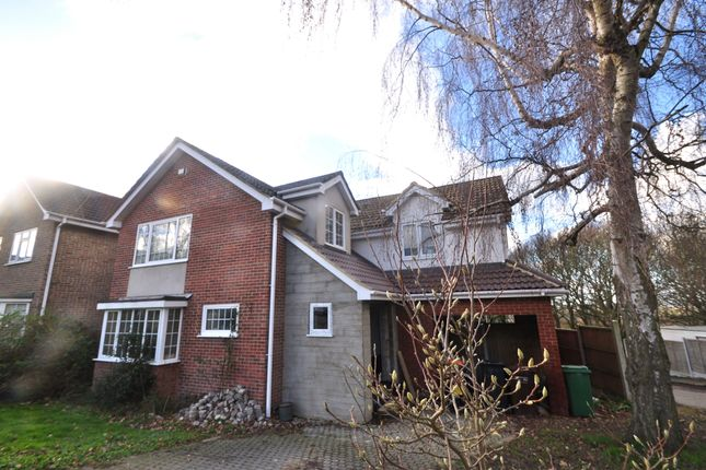 Thumbnail Detached house for sale in Silverdale, Benfleet