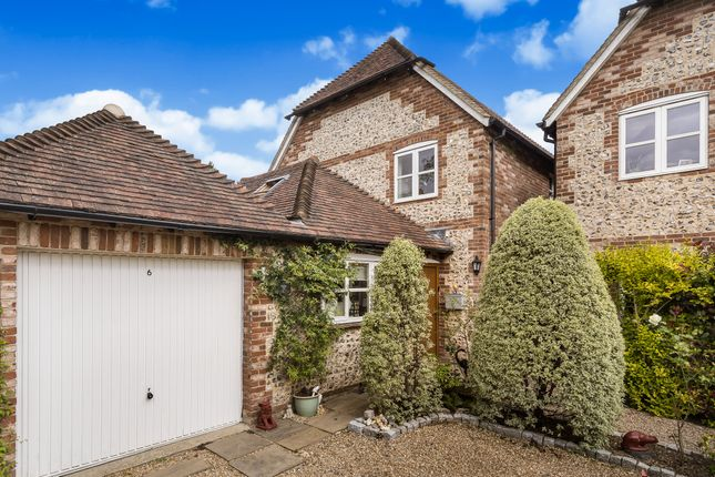 Thumbnail Detached house for sale in Boyneswood Road, Medstead, Alton