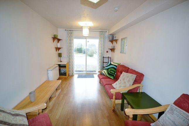 Thumbnail Flat to rent in Llys Ffynnon, Fountain Hall Terrace, Carmarthen