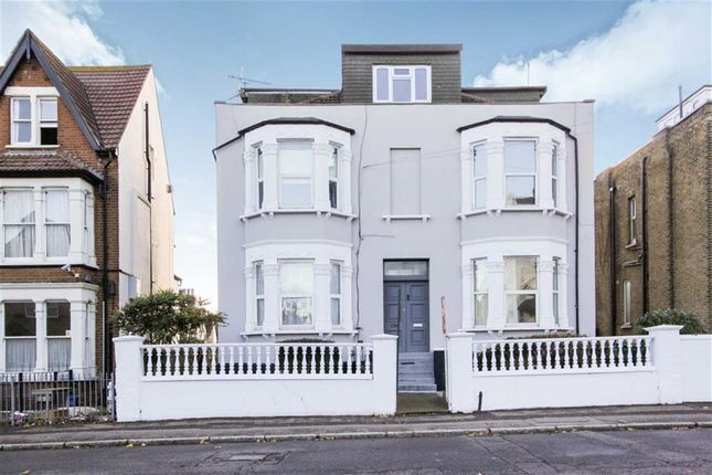 Thumbnail Flat for sale in York Road, Southend On Sea, Essex