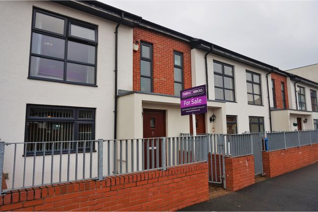 Thumbnail Terraced house for sale in Sunshine Place, Manchester