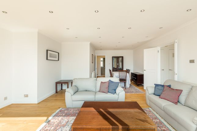 Thumbnail Flat to rent in Ross Court, Putney Hill, Putney Heath, London SW15, London,