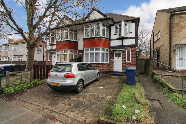 Thumbnail Maisonette for sale in Woodfield Lodge, Woodfield Avenue, Colindale, London