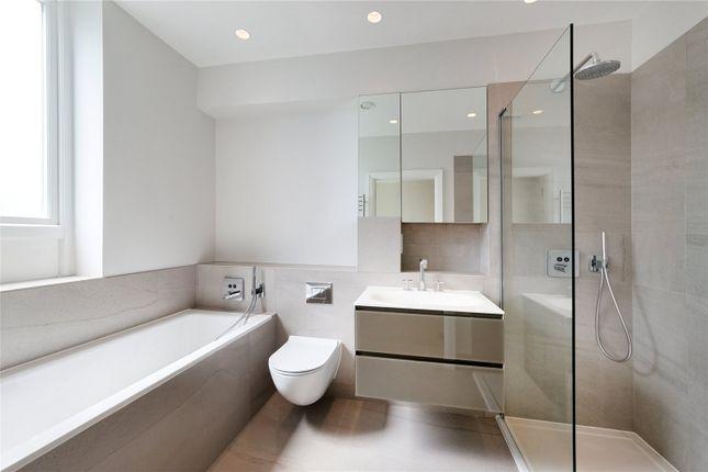 Bathroom of Bridge Street, Chiswick, London W4