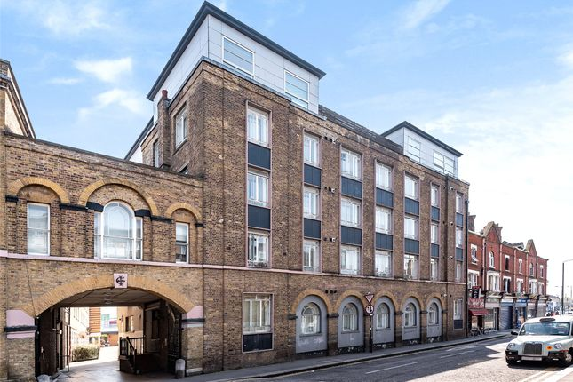 2 bed flat for sale in The Gatehouse, High Street, Romford RM1