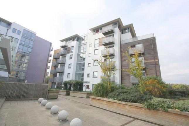 2 bed flat to rent in Nebraska Building, Deals Gateway, Lewisham, London