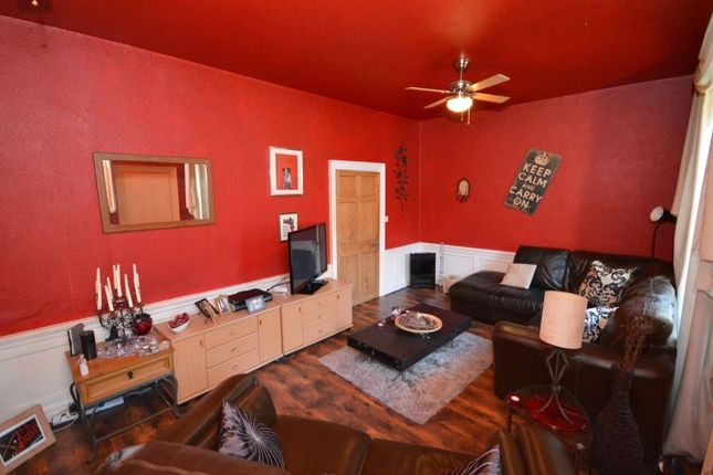 Thumbnail Flat for sale in Chalmers Street, Dunfermline