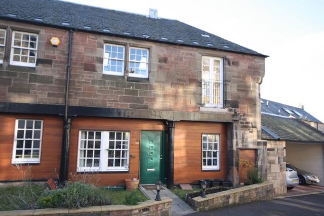 2 bedroom mews house to rent in Cornwallis Place, Edinburgh