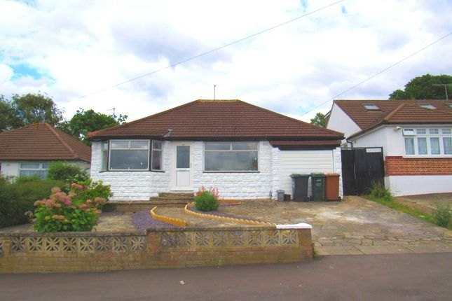Thumbnail Property to rent in Greenfield Avenue, Watford