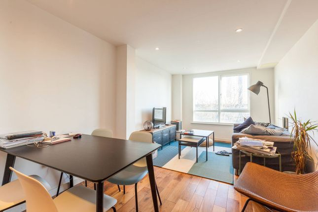 Thumbnail Flat to rent in Hackney Road, Shoreditch