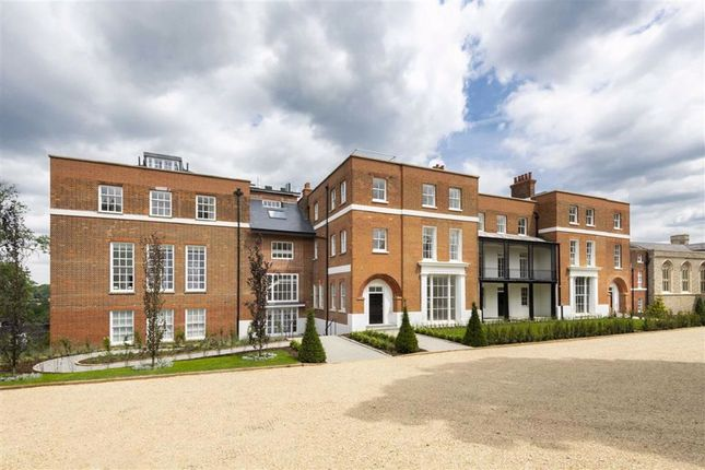 Thumbnail Flat for sale in Rosary Manor, The Ridgeway, Mill Hill, London