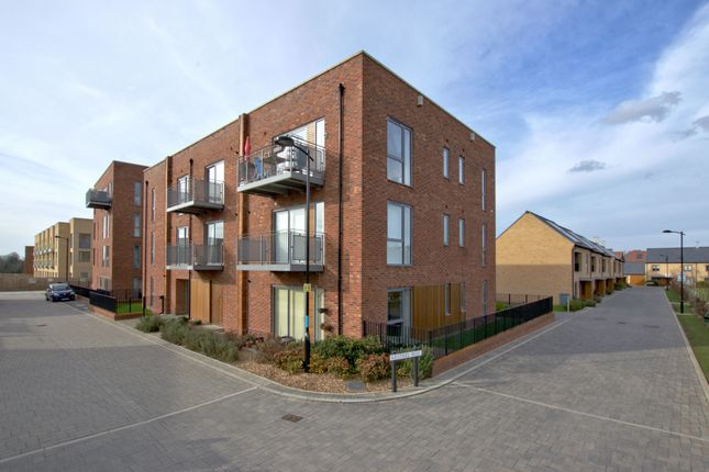 2 bed flat for sale in Kestral Rise, Trumpington, Cambridge