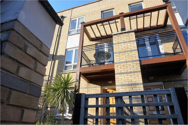 Thumbnail Terraced house to rent in St. Davids Square, London