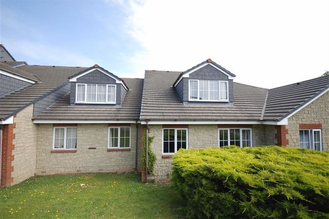 2 bed flat for sale in Chesterton Court, Wadebridge, Cornwall
