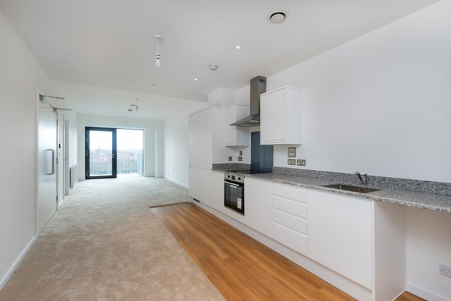 Thumbnail Flat for sale in Horizon Building, Ilford