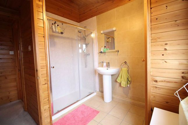 Shower Room of 4, Elm Court, Pentrebeirdd, Welshpool, Powys SY21