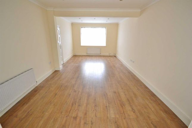 Thumbnail Terraced house to rent in Mortlake Road, Ilford