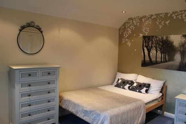 Thumbnail Room to rent in Room 2, 79 High View Road, Onslow Village, Guildford