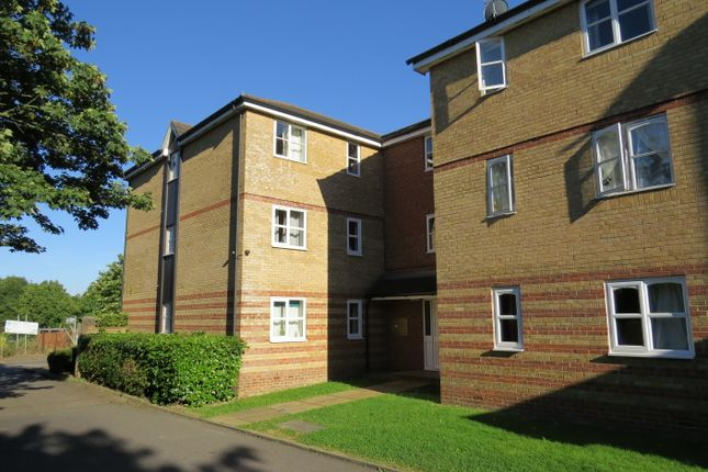 2 bed flat for sale in Simms Gardens, East Finchley