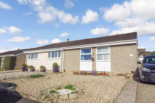 2 bed semi-detached bungalow to rent in Queen Emmas Dyke, Witney, Oxfordshire OX28