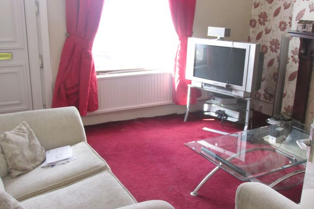 Lounge Area of Henley Grove Road, Henley S61