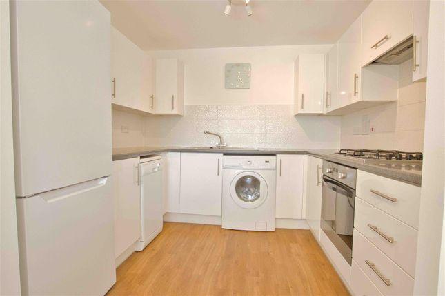Thumbnail 2 bed flat to rent in Todd Close, Borehamwood