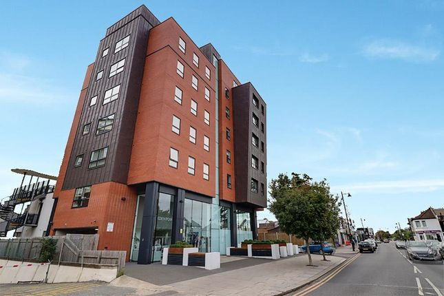 2 bed flat for sale in Broadway West, Leigh-On-Sea SS9