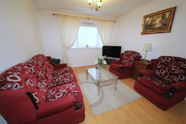 Thumbnail Flat to rent in Hadrians Ride, Enfield, Greater London