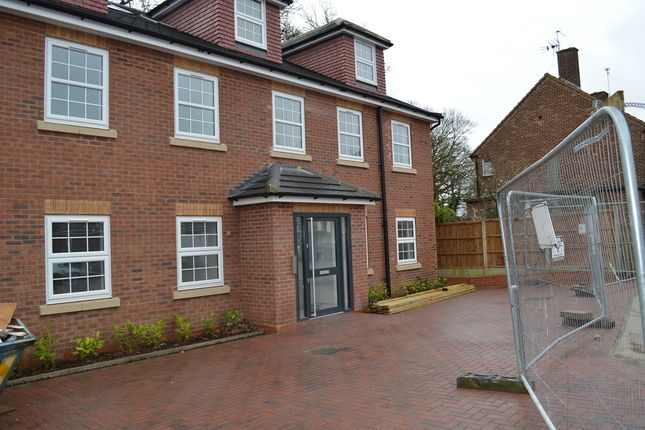 Thumbnail Flat to rent in Haydock Close, Hornchurch
