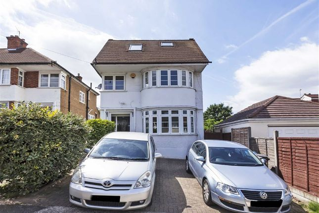 4 bed property to rent in Cheyne Hill, Surbiton