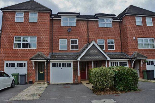 Thumbnail Town house to rent in Forfield Drive, Beggarwood, Basingstoke