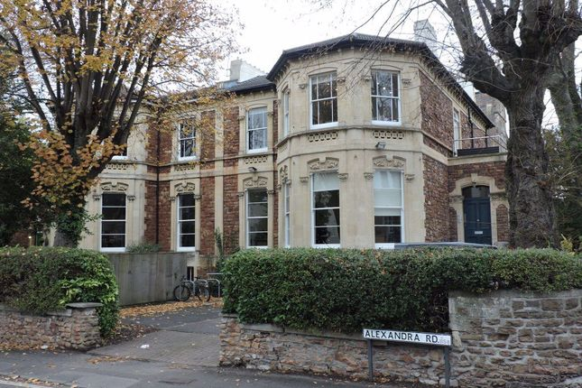 Thumbnail Flat to rent in Oakfield Road, Clifton, Bristol