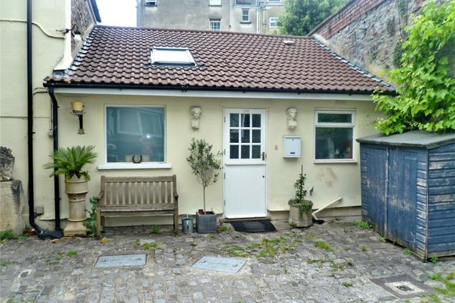 Thumbnail Cottage to rent in The Lodge, Oxford Street, Kingsdown, Bristol